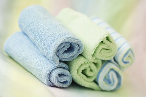 Валик из полотенца под спину для похудения