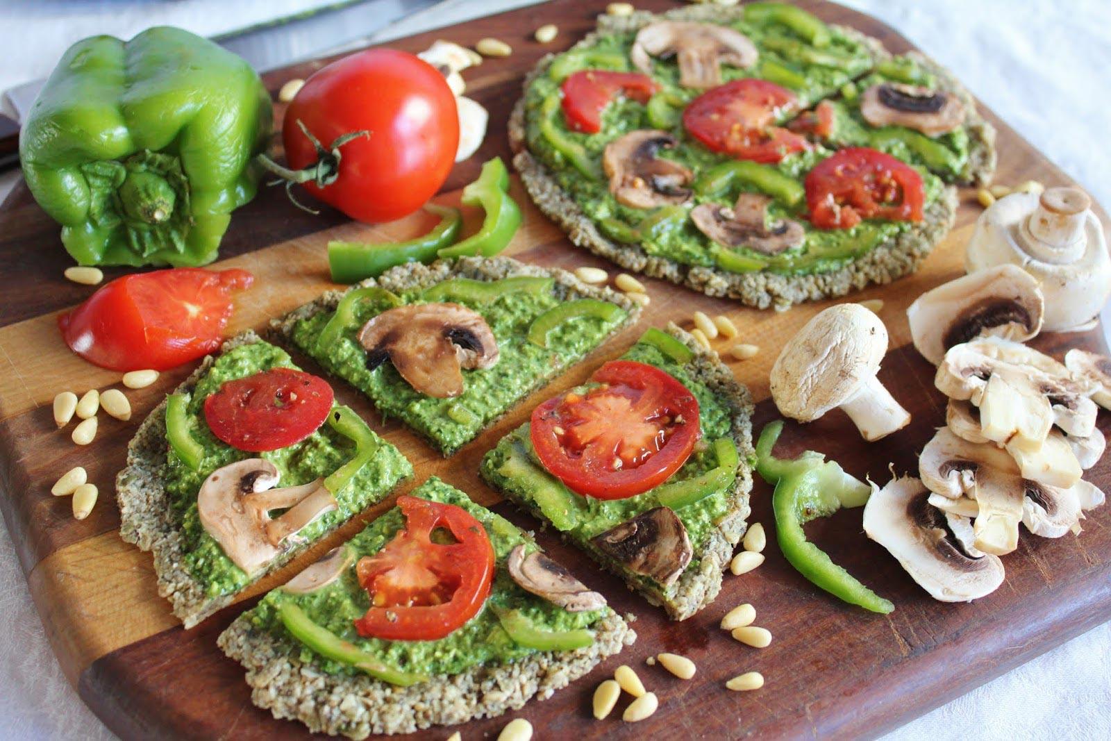 Овощи и грибы на хлебе